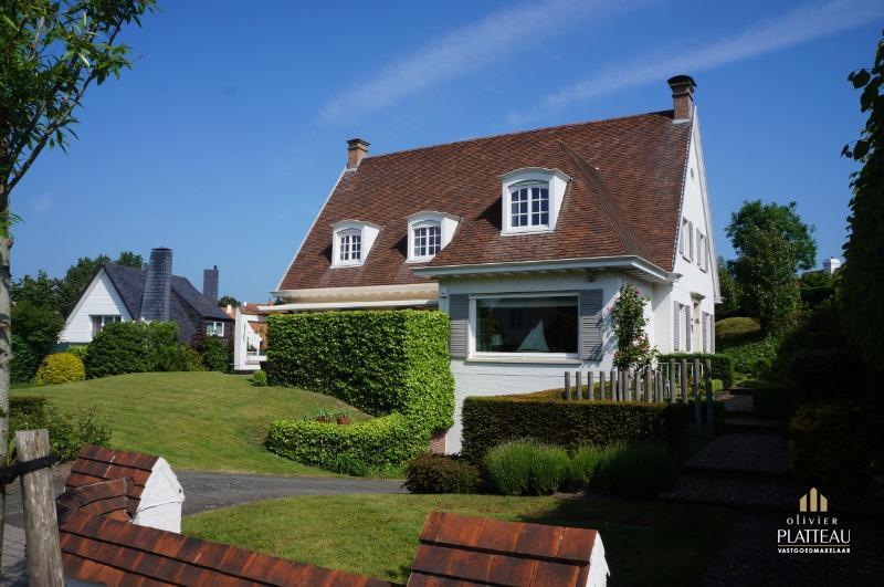 Mooie villa met 6 slaapkamers op 1128m² in de Simli-wijk.