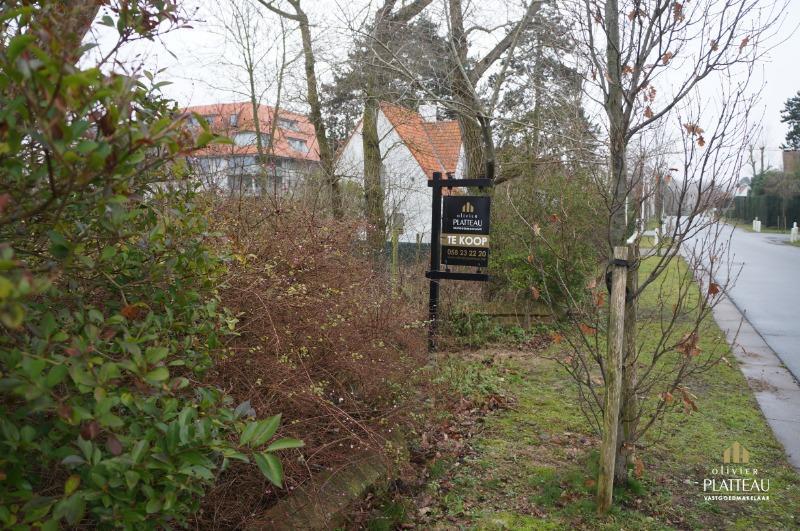 Mooi stuk bouwgrond van 937m² gelegen in de residentiële Simli-wijk te Nieuwpoort-Bad.