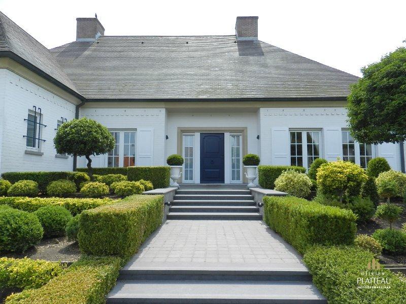 Exclusieve villa op 1160m² gelegen in de Simli-wijk.