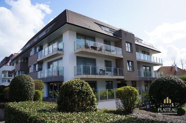 Groot appartement met 3 slpk, 3 badkamers, garage en zonnig terras in de residentie Delvaux.