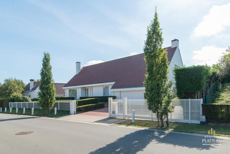 Magnifieke villa met 4 slpk op 1205m² gelegen in de Simli-wijk te Nieuwpoort-Bad.