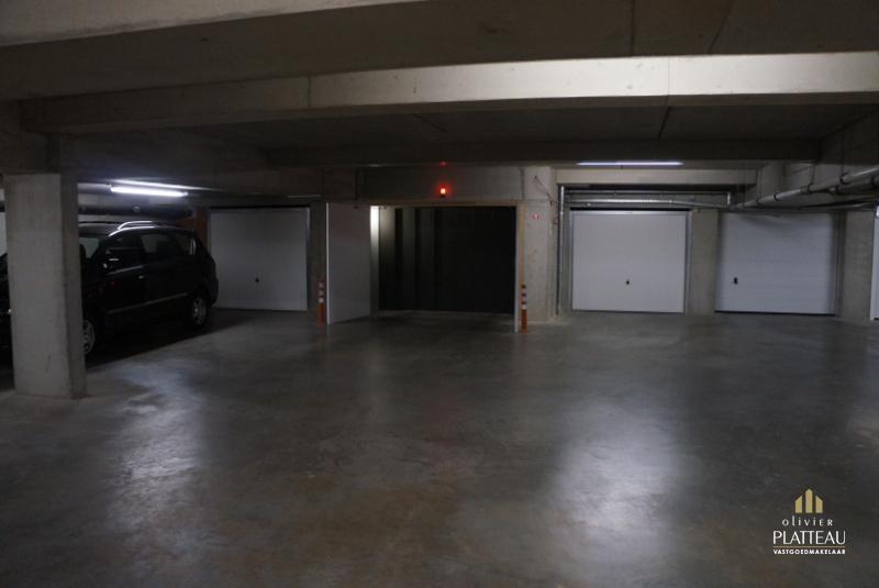 Garagebox met automatische poort  residentie Sea Port.