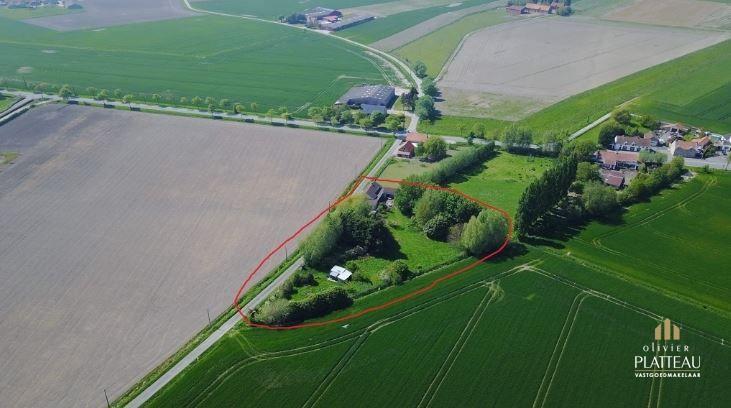 Gerenoveerd landhuis op 3817m² vlakbij Nieuwpoort.