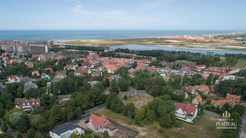 Zeer mooi perceel bouwgrond van 1069,91m² gelegen achteraan de Simli-wijk te Nieuwpoort-Bad.