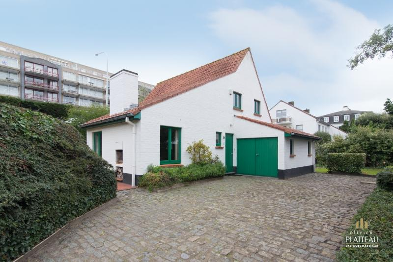 Charmante woning met 5 slpk op 691m² gelegen in domein 't Vissershof in de Simli-wijk te Nieuwpoort-Bad.
