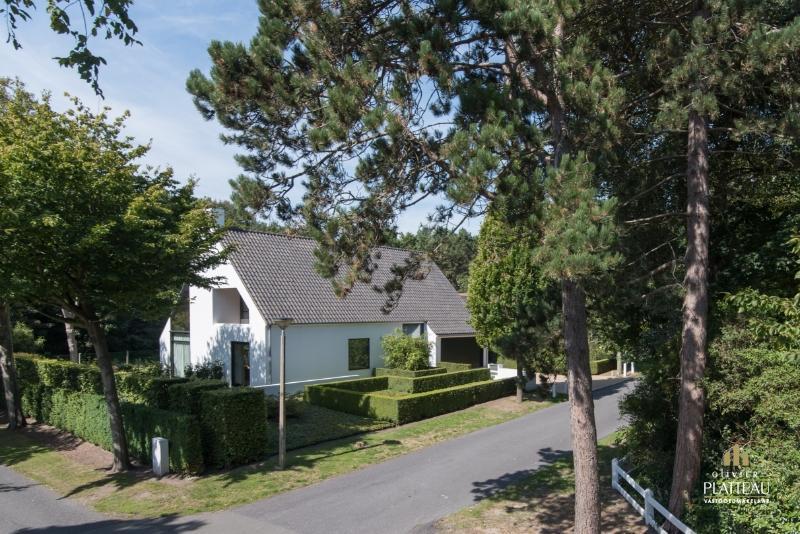 Prachtige villa met 4 slpk op 1043m² in de Simli-wijk.