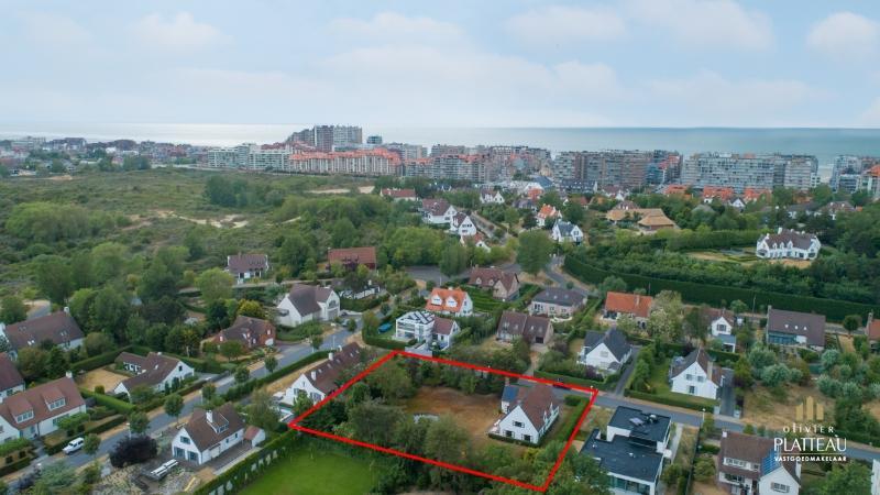 Ruime villa met 4 slaapkamers op 2160m² te Nieuwpoort-Bad!