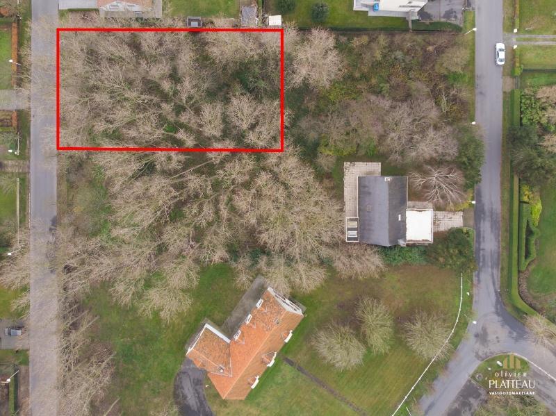 Residentieel gelegen bouwgrond van 1082m² in de Simli-wijk te Nieuwpoort-Bad.