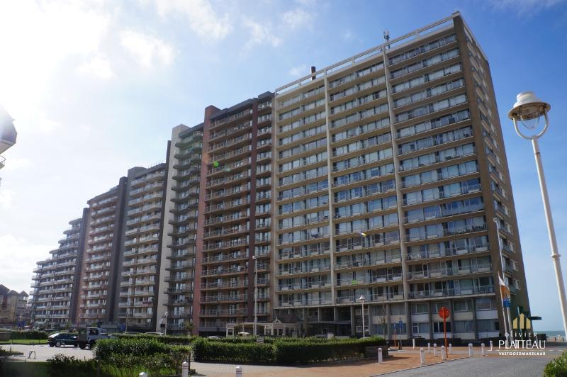 Zeedijk-appartement met 3 slaapkamers te Nieuwpoort-Bad.