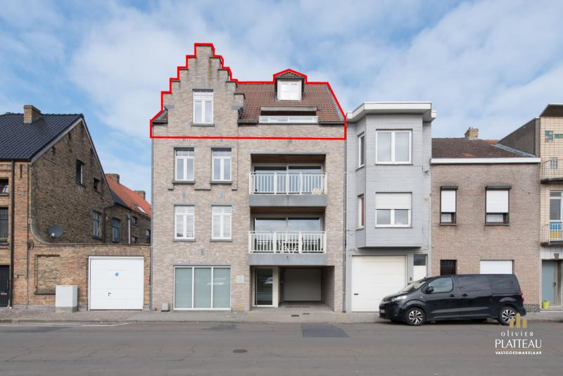 Recent duplex-appartement (135m²) met 3 slaapkamers te Nieuwpoort-Stad.