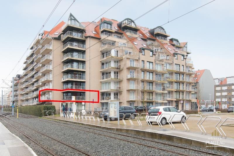 Zongericht hoekappartement met 2 slaapkamers te Nieuwpoort-Bad.