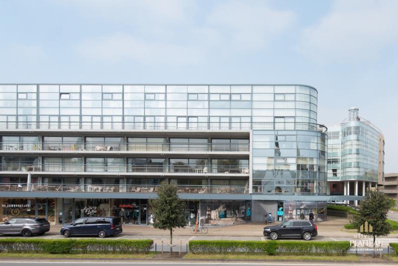Uitzonderlijk groot duplex-appartement met 4 slaapkamers te Oostduinkerke.