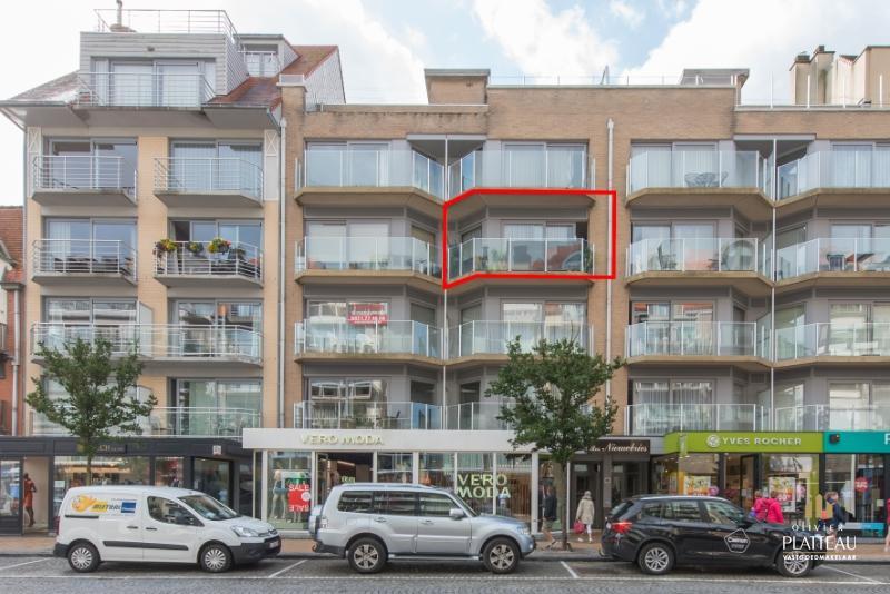 Verhuurd appartement centraal gelegen in de winkelstraat.