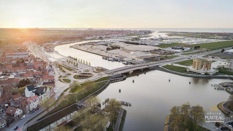 Uniek duplex-dak-appartement met 2 slpk en 2 terrassen in de nieuwbouwresidentie Pont Albert op de Kaai te Nieuwpoort-Stad.