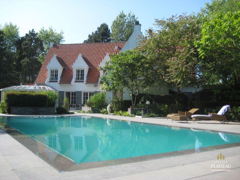 Prachtige exclusieve villa met zwembad op 3089m² SIMLI wijk.
