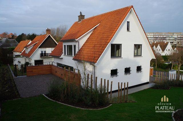 Compleet gerenoveerde villa met 4 slpk en alle comfort.