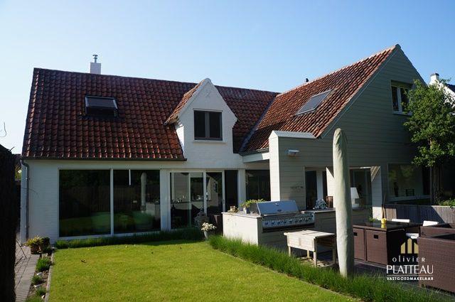 Exclusieve luxevilla met alle privacy gelegen in de Simli-wijk te Nieuwpoort-Bad.